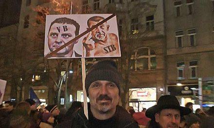 Demonstrace proti poslanci Ondráčkovi do čela komise GIBS