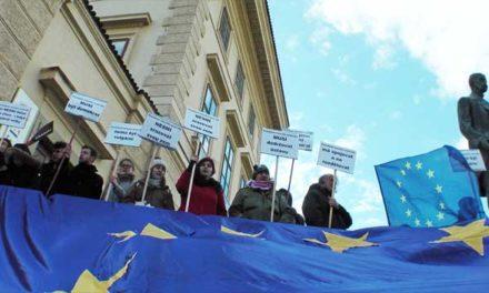 Protest proti směřování země při druhé inauguraci presidenta Zemana