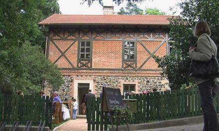 Kavárna, klub seniorů i lesní školka ve strážním domku
