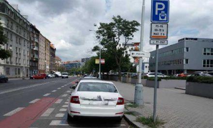 Zmatečné parkování na Praze 7