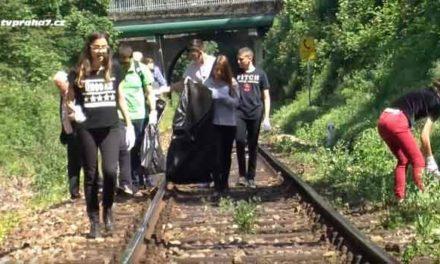 Izraelští studenti uklízeli Stromovku