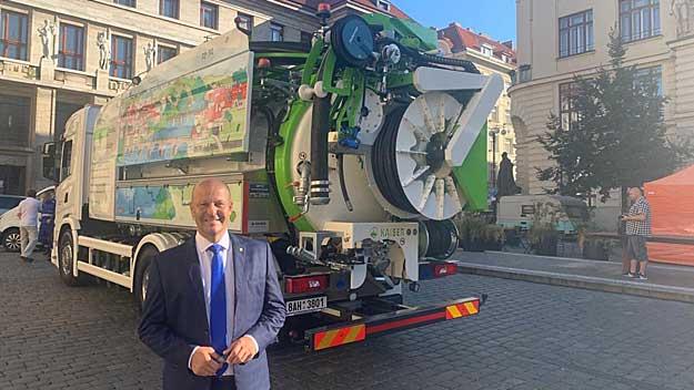 PVK nasadí v metropoli recyklační vůz s pohonem na  bioCNG. Potkáte ho i v Praze 7