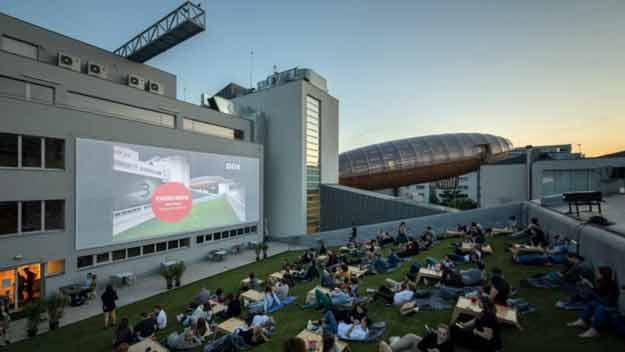DOX uvede na střeše léto velkých filmových příběhů