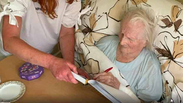 Nejstarší letenská učitelka oslavila 105 narozeniny